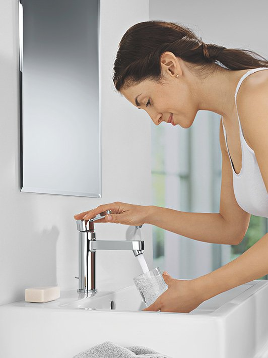 M-Size: Add extra comfort with a higher medium height faucet.