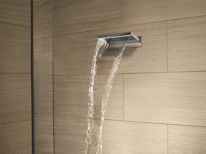 Cascade spout for bath and shower