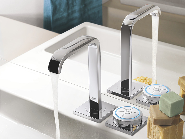GROHE F-digital Digital controller and digital diverter for bath with square base plate